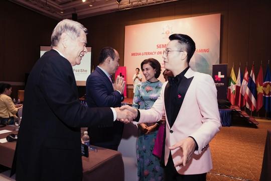 Phát ngôn về đàn ông Việt của Hoàng Bách thu hút công chúng - Ảnh 2.