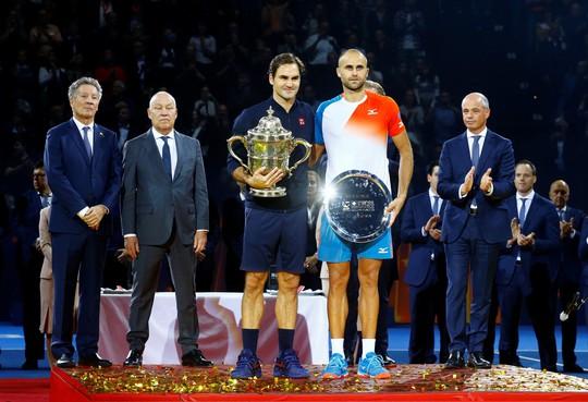Federer: Từ cậu bé nhặt bóng thành huyền thoại sống quần vợt thế giới - Ảnh 4.