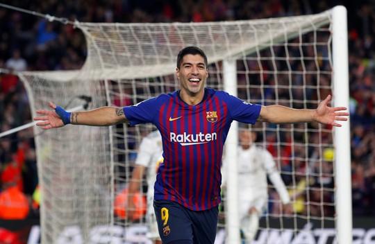Hat-trick Suarez nhấn chìm Real Madrid ở El Clasico - Ảnh 2.