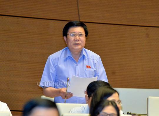 Bộ trưởng Trần Tuấn Anh nói gì về việc thuế giảm nhưng giá ô tô không giảm? - Ảnh 1.