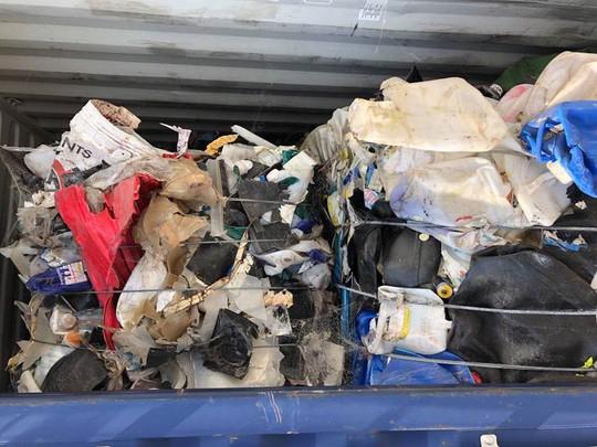 Kiểm tra gần 2.000 container phế liệu tồn đọng - Ảnh 1.