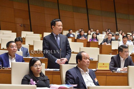 """Tân Bộ trưởng TT-TT Nguyễn Mạnh Hùng """"ra mắt"""" QH, trả lời về an ninh mạng, sim rác - Ảnh 1."""