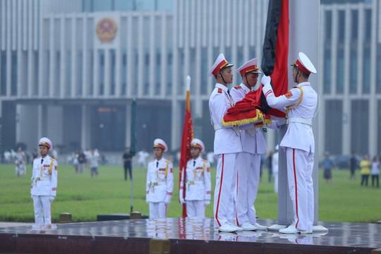 Xúc động lễ treo cờ rủ Quốc tang nguyên Tổng Bí thư Đỗ Mười - Ảnh 16.