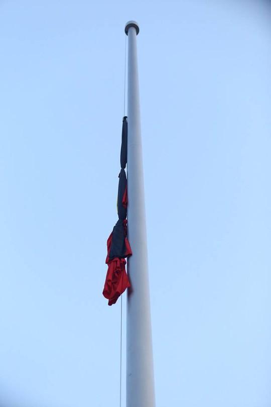 Xúc động lễ treo cờ rủ Quốc tang nguyên Tổng Bí thư Đỗ Mười - Ảnh 19.