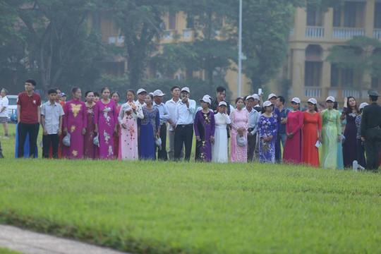 Xúc động lễ treo cờ rủ Quốc tang nguyên Tổng Bí thư Đỗ Mười - Ảnh 22.