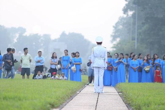 Xúc động lễ treo cờ rủ Quốc tang nguyên Tổng Bí thư Đỗ Mười - Ảnh 20.