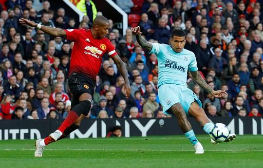 Kịch tính vỡ oà, Man United ngược dòng hạ Newcastle tại Old Trafford - Ảnh 4.