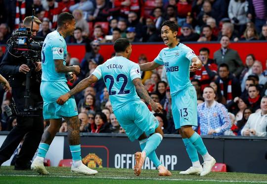 Kịch tính vỡ oà, Man United ngược dòng hạ Newcastle tại Old Trafford - Ảnh 3.