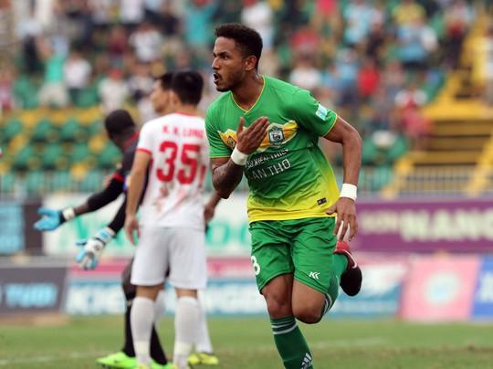 Đẩy XSKT Cần Thơ rớt hạng, Nam Định giành suất tranh vé vớt V-League 2019 - Ảnh 5.