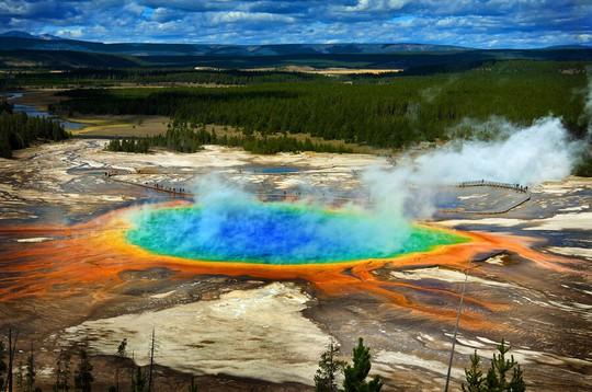 NASA tấn công siêu núi lửa đe dọa quét sạch nhân loại - Ảnh 1.