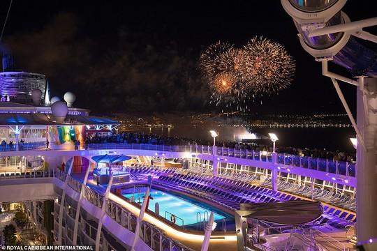 """Du thuyền lớn nhất thế giới """"chào sân"""" tại Mỹ - Ảnh 1."""