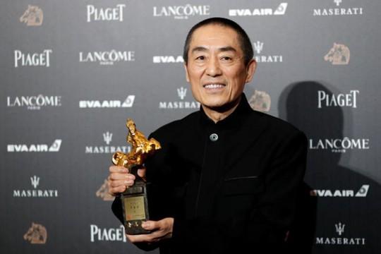 Trương Nghệ Mưu thắng giải Kim Mã, Củng Lợi xúc động - Ảnh 2.