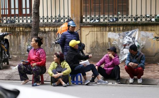Vé chợ đen cao ngất ngưởng trước trận Việt Nam - Campuchia - Ảnh 5.