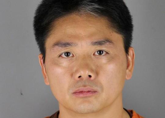 Uẩn khúc quanh vụ tỉ phú Trung Quốc bị bắt vì tình nghi cưỡng hiếp - Ảnh 1.