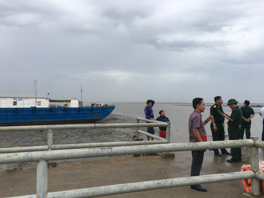 Cần Giờ di dời hàng trăm hộ dân ven biển vào trường học - Ảnh 6.