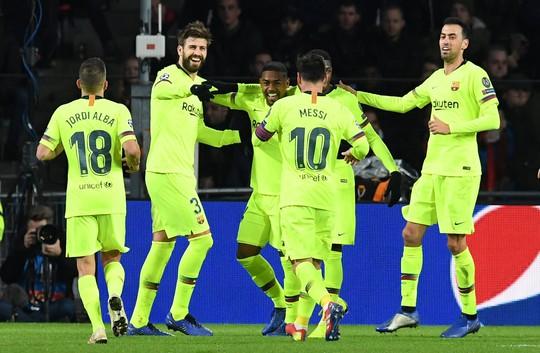 Messi lập siêu phẩm, Barcelona vượt vòng bảng Champions League - Ảnh 4.