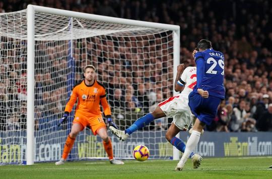 Tung đòn trừng phạt khủng khiếp, Man City và Chelsea trở lại đỉnh bảng - Ảnh 6.