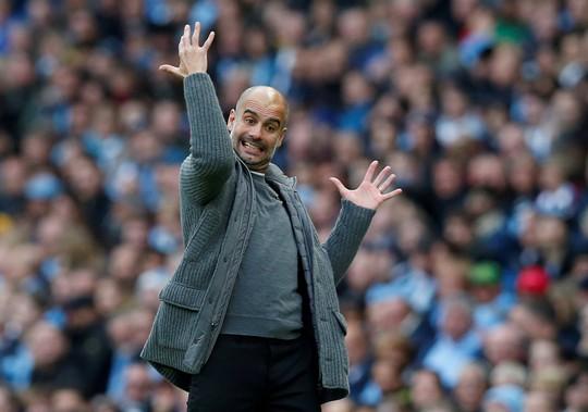 Tung đòn trừng phạt khủng khiếp, Man City và Chelsea trở lại đỉnh bảng - Ảnh 4.