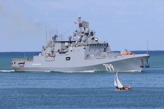 Syria: Nga triển khai tàu tên lửa mới, Israel án binh bất động vì S-300 - Ảnh 1.