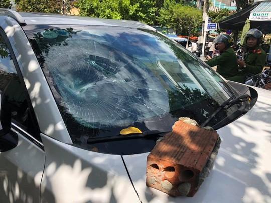 Vụ đập phá ô tô ở Đà Nẵng là đối tượng trốn trại cai nghiện ở Tiền Giang - Ảnh 2.