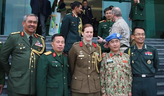 Ra mắt bệnh viện dã chiến số 2 của Việt Nam - Ảnh 14.