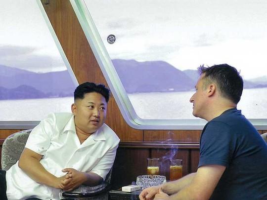 """Vì sao Trung Quốc bắt """"bạn thân"""" của ông Kim Jong-un? - Ảnh 2."""