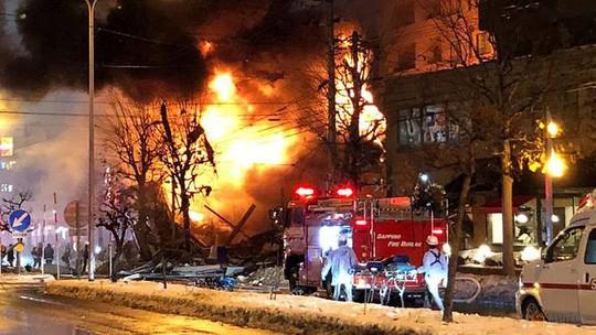 Hàng chục người đang dùng bữa, nhà hàng nổ tan tành - Ảnh 5.