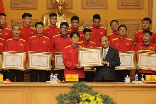 Thủ tướng Nguyễn Xuân Phúc: Niềm tin vào đội tuyển Việt Nam rất lớn - Ảnh 2.