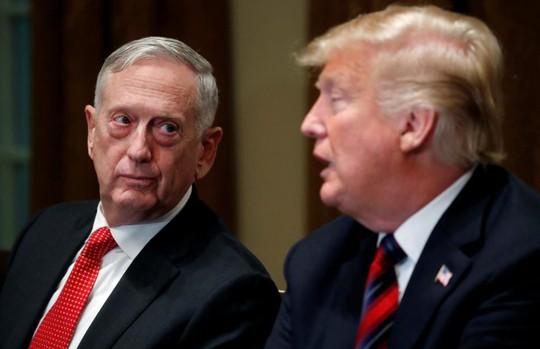 Ông Donald Trump mất vị tướng cuối cùng trong đội ngũ an ninh - Ảnh 2.