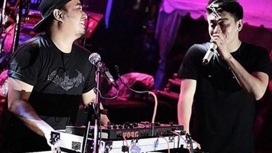 Indonesia: Sóng thần cuốn trôi nhóm nhạc nổi tiếng khi đang biểu diễn - Ảnh 3.