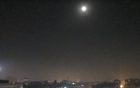 Israel không kích Syria, các thủ lĩnh Hezbollah dính đòn tên lửa - Ảnh 2.