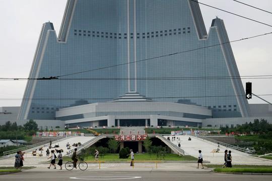 Khách sạn không người cao nhất thế giới thắp sáng niềm kiêu hãnh Triều Tiên - Ảnh 5.