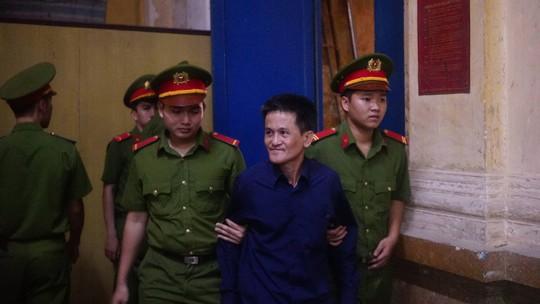Ông Trần Phương Bình giới thiệu công ty của Vũ nhôm thuộc Bộ Công an - Ảnh 1.