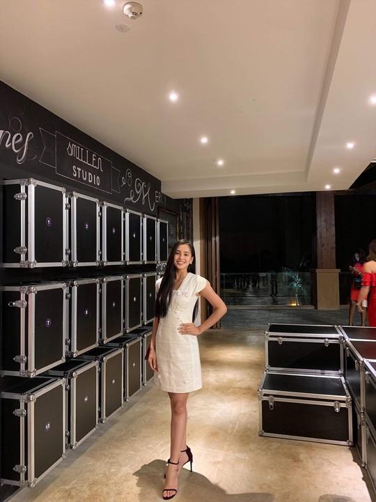 Clip: Tiểu Vy nắm chắc vé vào top 30 Hoa hậu Thế giới 2018 - Ảnh 1.