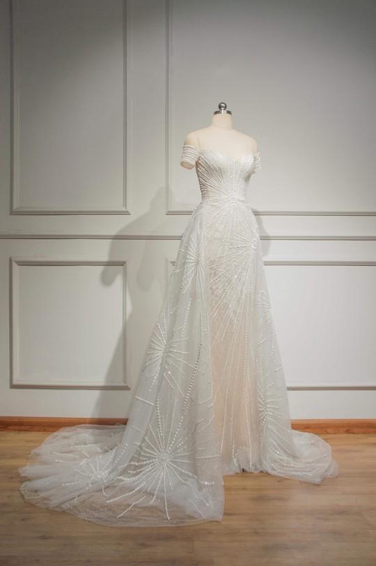 Hé lộ trang phục Tiểu Vy mặc đêm chung kết Hoa hậu Thế giới - Ảnh 3.