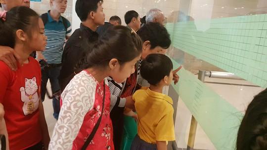 Gia đình xúc động đón cô dâu Việt từ Đài Loan về quê ăn Tết - Ảnh 2.