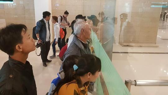 Gia đình xúc động đón cô dâu Việt từ Đài Loan về quê ăn Tết - Ảnh 3.