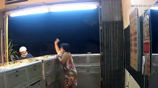 Cận Tết, trộm cướp rất liều lĩnh! - Ảnh 1.