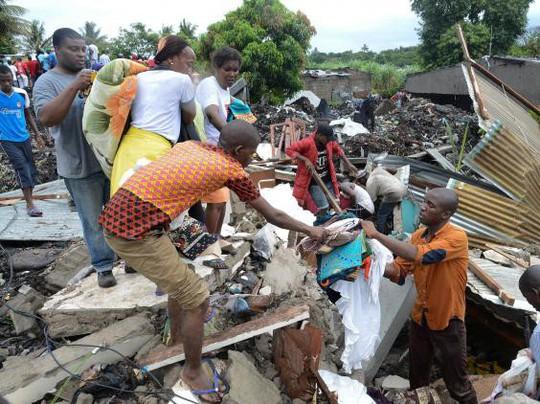 Mozambique: Sập bãi rác, ít nhất 17 người chết - Ảnh 2.