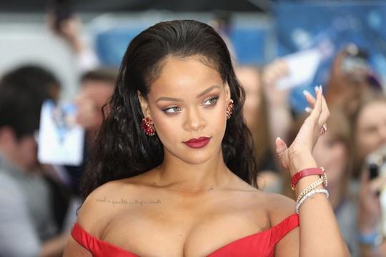 Ca sĩ bốc lửa Rihanna là một Gooner thật sự - Ảnh 1.
