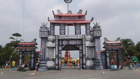 Tết này, người Cần Thơ đã mắt với lễ hội đèn lồng khổng lồ - Ảnh 1.