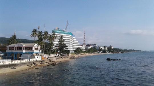 """Khách sạn 5 sao ở Phú Quốc """"cắt ngọn"""" hoài không xong - Ảnh 2."""