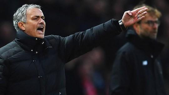 Mourinho nhìn thấy điểm yếu của Liverpool - Ảnh 1.