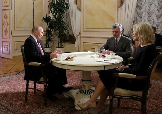 Quyết định bắn hạ máy bay chở khách của ông Putin - Ảnh 1.