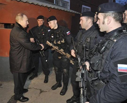 Quyết định bắn hạ máy bay chở khách của ông Putin - Ảnh 2.