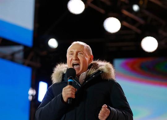 Bầu cử Nga: Tổng thống Putin thắng áp đảo - Ảnh 3.