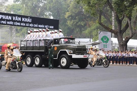 Cố Thủ tướng Phan Văn Khải đang trên đường về đất mẹ - Ảnh 30.