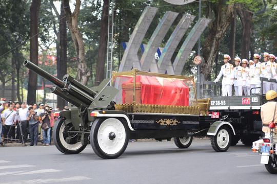 Cố Thủ tướng Phan Văn Khải đang trên đường về đất mẹ - Ảnh 29.