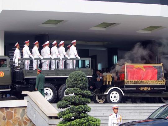 Cố Thủ tướng Phan Văn Khải đang trên đường về đất mẹ - Ảnh 27.