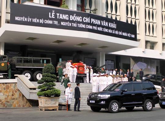 Cố Thủ tướng Phan Văn Khải đang trên đường về đất mẹ - Ảnh 26.